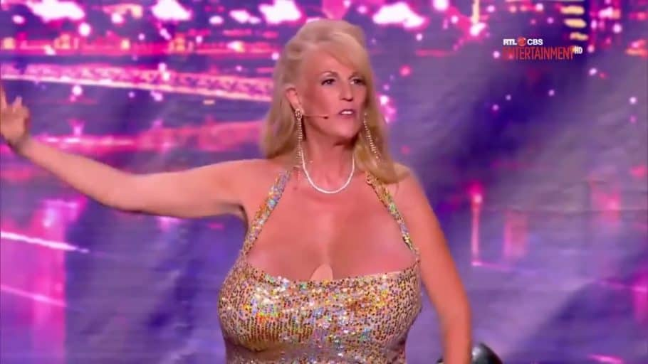 Top Women With the Biggest Boobs in the World - Susan Sykes