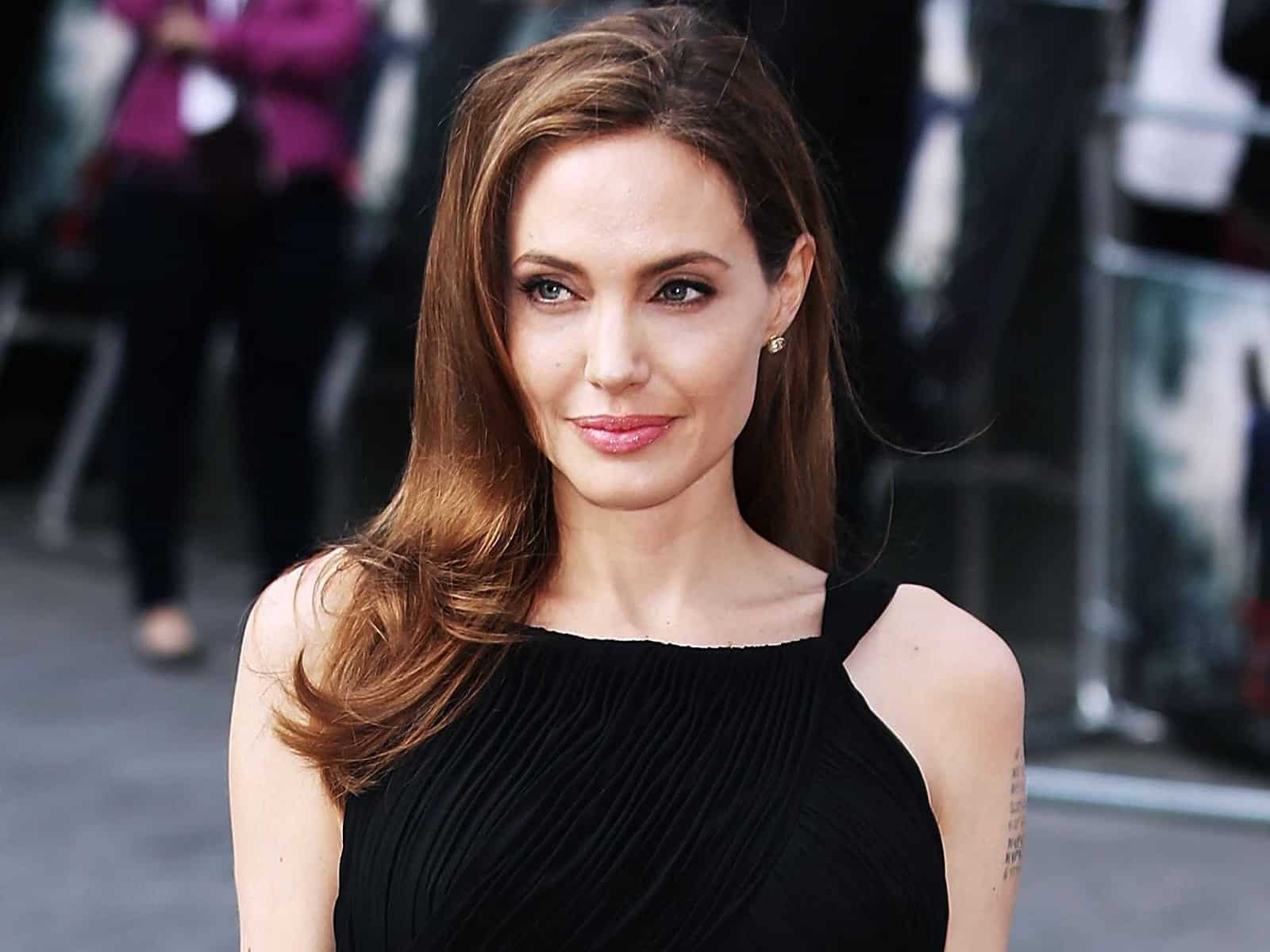 Top 10 Most Popular Hollywood Actresses In 2020 - Angelina Jolie